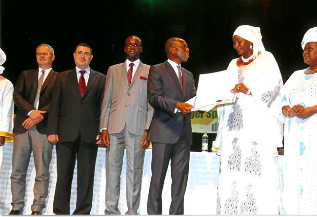 Entente de partenariat avec l'ARMP de Dakar sur le renforcement des capacités – Remise diplome