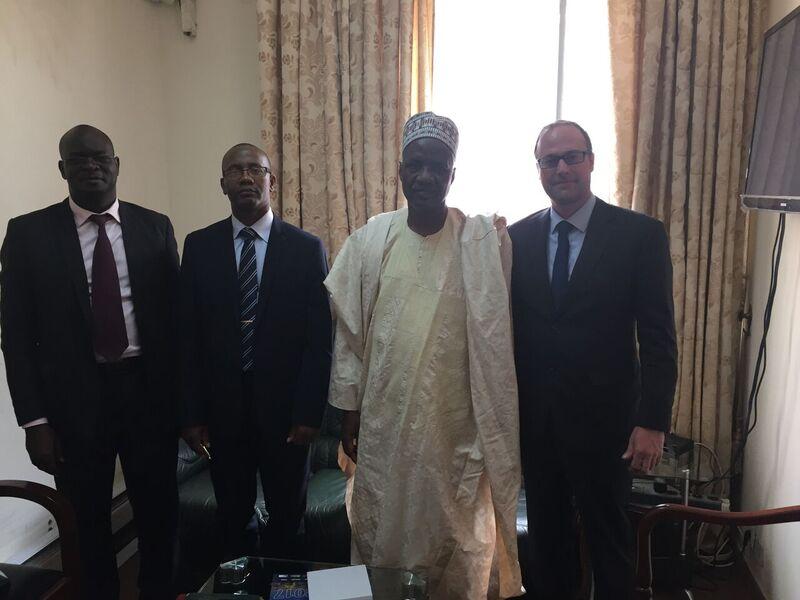 Mission commerciale Cameroun - M. Paldou, M. Ngouh, M. le Ministre Sadou, M. Delagrave