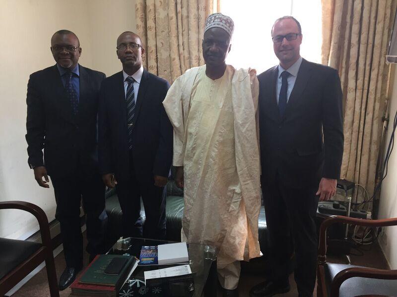 Mission commerciale Cameroun - M. Koum, M. Ngouh, M. le Ministre Sadou, M. Delagrave