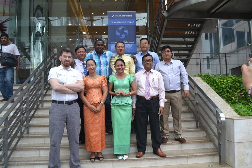 Formation sur le Nouveau cadre de passation des marchés publics Banque mondiale (NPF) et PPSD - Photo officielle