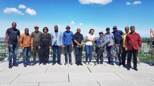 Photo de groupe lors d'une sortie touristique pendant la formation sur la Préparation à l'accréditation MPDI - Manager de projet de développement international