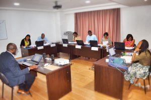 Photo de classe pendant la formation sur les nouvelles dispositions du système comptable OHADA révisé