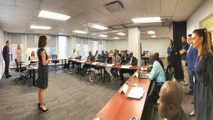 Photo de classe pendant la formation de préparation à l'accréditation MSPM - Manager spécialiste de passation des marchés