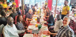 Déjeuner au restaurant pendant la formation en Management des Partenariats Public-Privé (PPP)