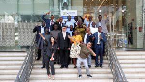 Photo de groupe pendant la formation en Management des Partenariats Public-Privé (PPP)