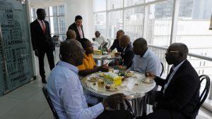Pause café pendant la formation en Management des Partenariats Public-Privé (PPP)